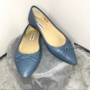 Steve Madden blue leather pointed toe ballet flat